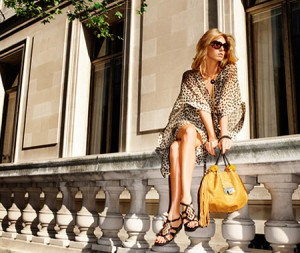 jimmy-choo-ad-campaign-spring-summer-2009-angela-lindvall-4