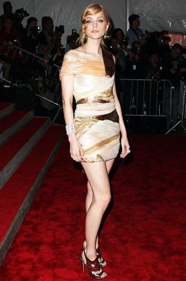 Another Canadian export, Jessica Stam, looking lovely in Rodarte at the Met 2009 Costume Institute Gala