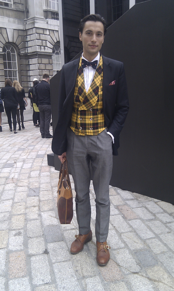 Effortlessly Stylish Journalist outside Somerset House  (lost his business card)
